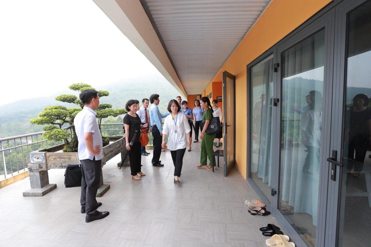 Đoàn thăm khu vực dành cho giáo viên tại Aquila Center.